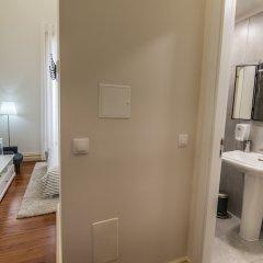 Отель Casa Ateneu Португалия, Понта-Делгада - отзывы, цены и фото номеров - забронировать отель Casa Ateneu онлайн ванная фото 2