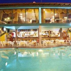 Отель Hanioti Grand Victoria Греция, Ханиотис - отзывы, цены и фото номеров - забронировать отель Hanioti Grand Victoria онлайн бассейн фото 2