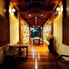 Отель Phuket Chaba Hotel Таиланд, Пхукет - 1 отзыв об отеле, цены и фото номеров - забронировать отель Phuket Chaba Hotel онлайн интерьер отеля