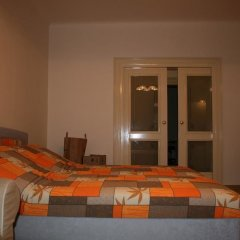Апартаменты Apartment Stare Mesto Anenska комната для гостей фото 3