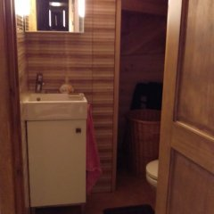 Отель Arturas Quest House Литва, Вильнюс - отзывы, цены и фото номеров - забронировать отель Arturas Quest House онлайн ванная фото 2