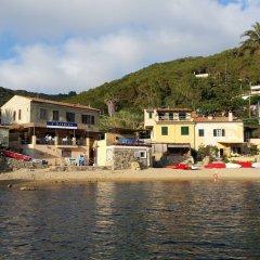 Отель Appartamento Il Sottomarino Проччио приотельная территория