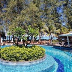 Отель Holiday Inn Resort Phuket Mai Khao Beach бассейн фото 3