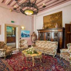 Отель Best Western Plus Hotel Villa Tacchi Италия, Гаццо - отзывы, цены и фото номеров - забронировать отель Best Western Plus Hotel Villa Tacchi онлайн интерьер отеля