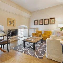 Апартаменты Tornabuoni Apartments комната для гостей фото 3
