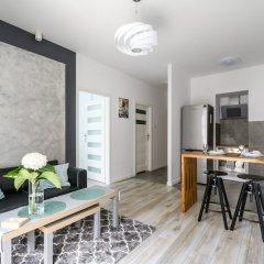 Отель M&R Apartament Airport Konstruktorska 7 комната для гостей