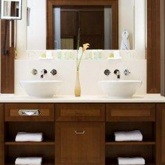 Отель Excelsior Hotel Ernst am Dom Германия, Кёльн - 9 отзывов об отеле, цены и фото номеров - забронировать отель Excelsior Hotel Ernst am Dom онлайн ванная фото 2