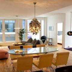 Отель Mortens Kro Restaurant & Suites Алборг в номере