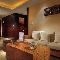 Отель Serenity Coast All Suite Resort Sanya комната для гостей