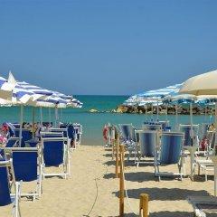Отель Grand Montesilvano Италия, Монтезильвано - отзывы, цены и фото номеров - забронировать отель Grand Montesilvano онлайн пляж фото 2