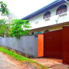 Отель Chaya Villa Guest House Шри-Ланка, Берувела - отзывы, цены и фото номеров - забронировать отель Chaya Villa Guest House онлайн парковка