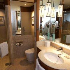 Отель Shangri-La's Rasa Sayang Resort and Spa, Penang Малайзия, Пенанг - отзывы, цены и фото номеров - забронировать отель Shangri-La's Rasa Sayang Resort and Spa, Penang онлайн ванная
