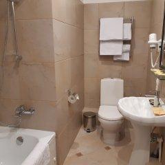 Гостиница Мини-отель Eleon Domodedovo в Домодедово 1 отзыв об отеле, цены и фото номеров - забронировать гостиницу Мини-отель Eleon Domodedovo онлайн ванная