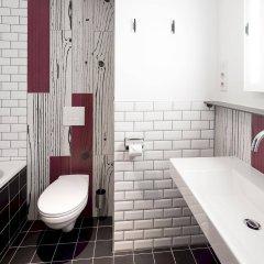 Отель Generator Paris Франция, Париж - 5 отзывов об отеле, цены и фото номеров - забронировать отель Generator Paris онлайн ванная
