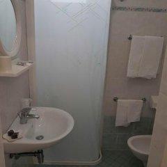Отель Ramona Италия, Римини - отзывы, цены и фото номеров - забронировать отель Ramona онлайн ванная