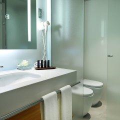 Отель Crowne Plaza Barcelona - Fira Center ванная фото 2