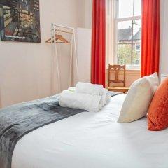 Отель Charming 2-bedroom apt in the Heart of West End Глазго комната для гостей фото 2