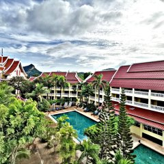 Отель Krabi Success Beach Resort бассейн