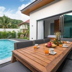 Отель Luxury 3 Bedroom Villa CoCo балкон
