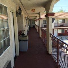 Отель Marina 7 Motel США, Лос-Анджелес - отзывы, цены и фото номеров - забронировать отель Marina 7 Motel онлайн балкон