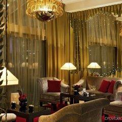 Отель Hôtel Barrière Le Fouquet's Франция, Париж - 1 отзыв об отеле, цены и фото номеров - забронировать отель Hôtel Barrière Le Fouquet's онлайн гостиничный бар