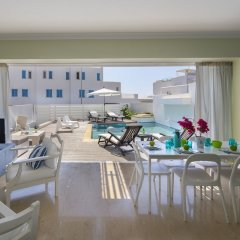 Отель Protaras Villa Paros гостиничный бар