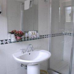 Отель Aurora Garden Hotel Италия, Рим - 4 отзыва об отеле, цены и фото номеров - забронировать отель Aurora Garden Hotel онлайн ванная