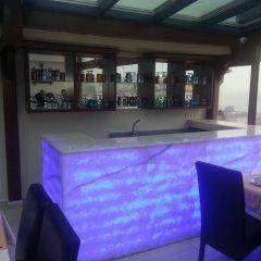 The Newport Hotel бассейн