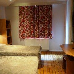 Sleep Well Youth Hostel комната для гостей
