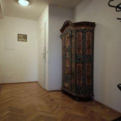 Апартаменты Generous Attic Apartment интерьер отеля фото 3