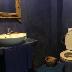 Отель Chez Youssef Марокко, Мерзуга - 1 отзыв об отеле, цены и фото номеров - забронировать отель Chez Youssef онлайн ванная