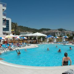 Ideal Pearl Hotel - All Inclusive - Adults Only бассейн