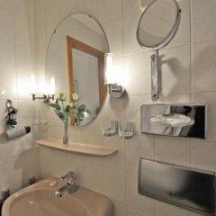 Hotel Am Ehrenhof Дюссельдорф ванная фото 2