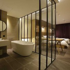 Отель the Designers Jongro Южная Корея, Сеул - отзывы, цены и фото номеров - забронировать отель the Designers Jongro онлайн ванная