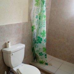 Отель Yennys Hostal Мексика, Канкун - отзывы, цены и фото номеров - забронировать отель Yennys Hostal онлайн ванная