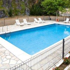 Отель Apartamentos Los Arces бассейн