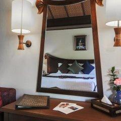 Отель Nora Beach Resort & Spa сейф в номере