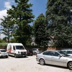 Hotel Casa Del Pellegrino Падуя парковка
