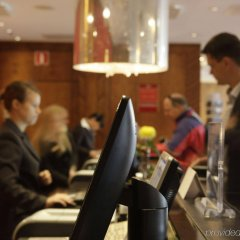 Отель Crowne Plaza Helsinki гостиничный бар