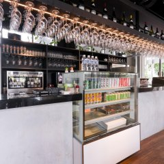 Отель V Lavender Сингапур гостиничный бар