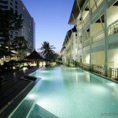 Отель Pullman Pattaya Hotel G Таиланд, Паттайя - 9 отзывов об отеле, цены и фото номеров - забронировать отель Pullman Pattaya Hotel G онлайн бассейн фото 3