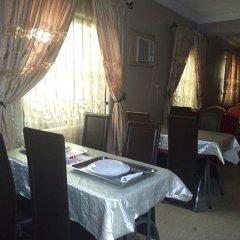 Отель Akma Signature Hotel & Suites Нигерия, Ибадан - отзывы, цены и фото номеров - забронировать отель Akma Signature Hotel & Suites онлайн питание