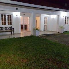 Negombo Blue Villa Hotel фото 3