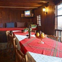 Отель Hadjigergy's Guest House Болгария, Сливен - отзывы, цены и фото номеров - забронировать отель Hadjigergy's Guest House онлайн питание фото 2
