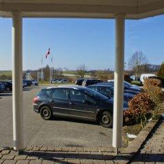 Hotel Årslev Kro парковка