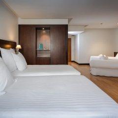 Отель Occidental Granada сейф в номере