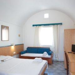 Отель Sunrise Studios Perissa Греция, Остров Санторини - 8 отзывов об отеле, цены и фото номеров - забронировать отель Sunrise Studios Perissa онлайн комната для гостей фото 5