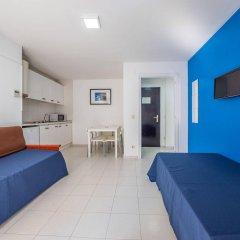Отель Apartaments AR Monjardí Испания, Льорет-де-Мар - отзывы, цены и фото номеров - забронировать отель Apartaments AR Monjardí онлайн комната для гостей фото 2