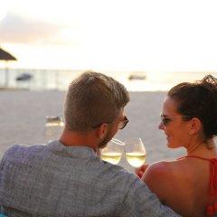 Отель La Pirogue A Sun Resort бассейн фото 2