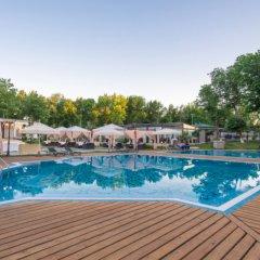 Отель City Palace бассейн